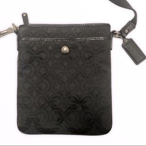 Coach 42974 quilted black swingpack crossbody bag